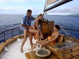 Klaudija i Maya se jebati sa njim na brod špil u FFM vid